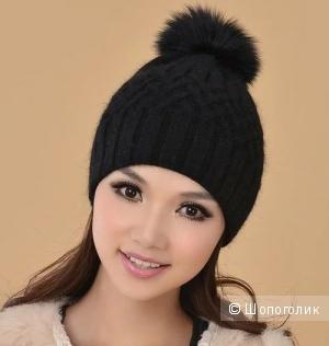 Зимняя шапочка с помпоном