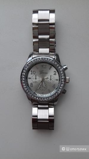 Часы Geneva с камнями