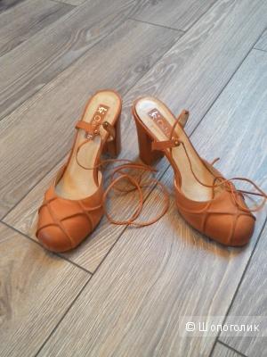 Продам женские туфли, Ostrich, р. 38 IT