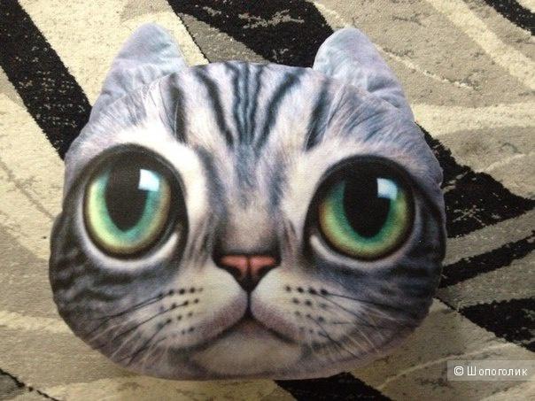 Подушка с напечатанной мордочкой кошки диванная