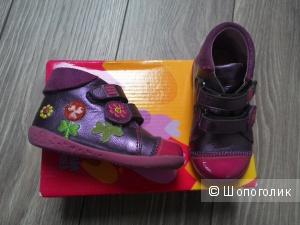 Продам демисезонные ботинки 21 р-р AGATHA RUIZ DE LA PRADA