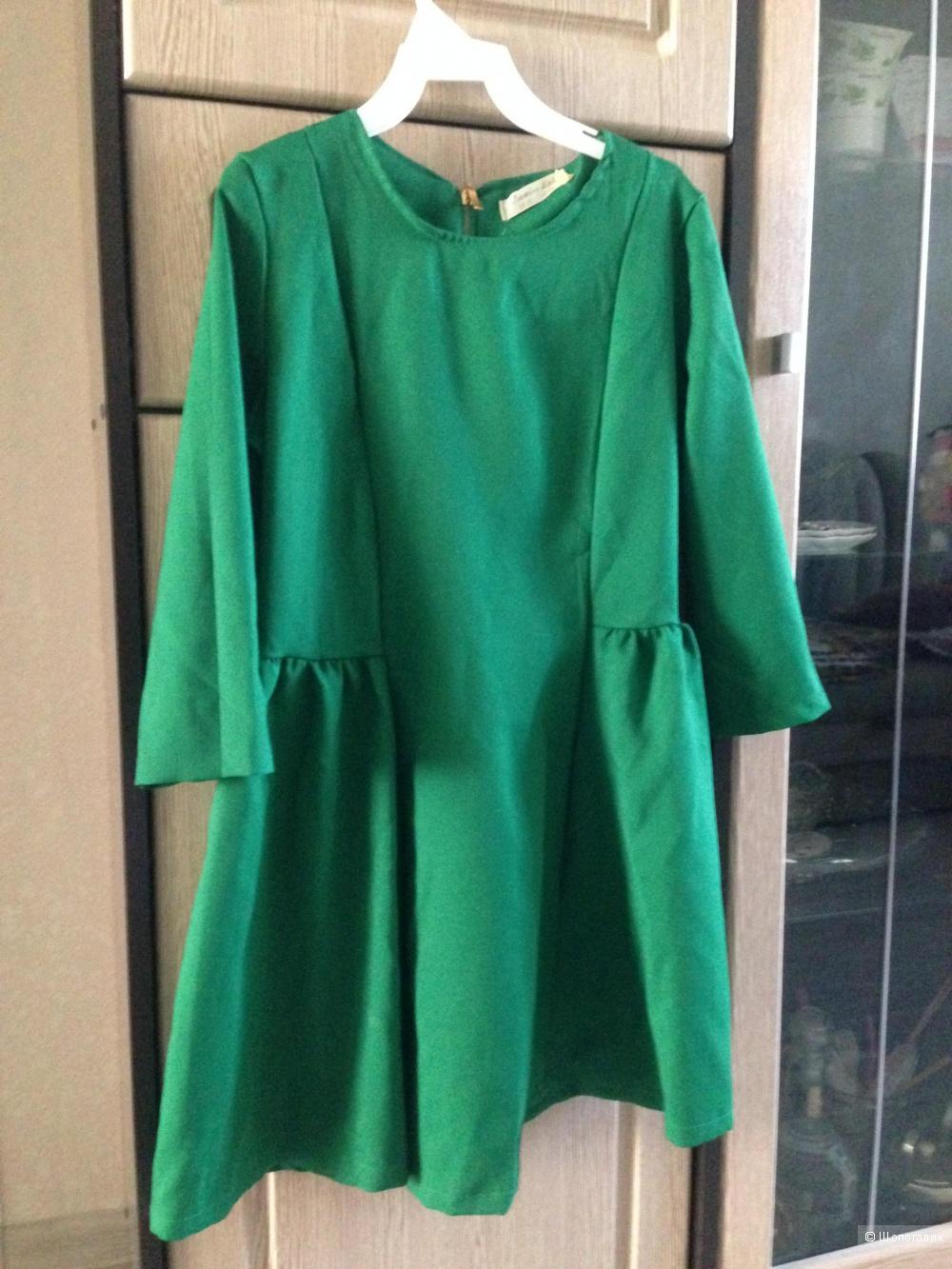 Продам красивое зеленое платье