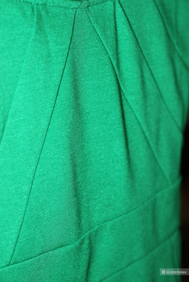 Стильное платье карандаш цвета изумруд