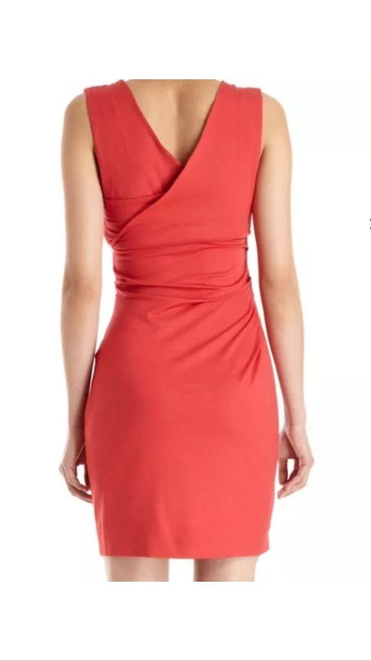 """Платье Diane von Furstenberg, размер S, цвет - """"красная смородина""""."""