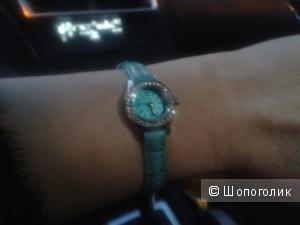 Продам новые часы invicta