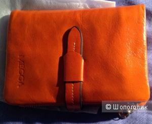 Стильный оранжевый кошелек