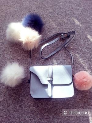 Маленькая сумочка нежного цвета всего за 6 долларов