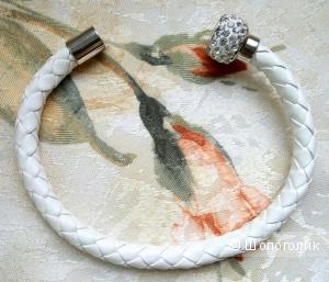 Недорогой браслет из искусственной кожи