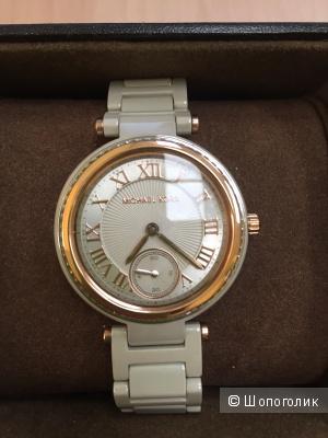 Продам часы Michael Kors