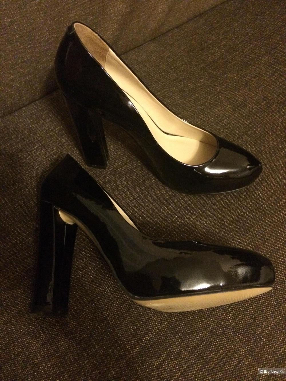 Продам лакированные туфельки RiaRosa