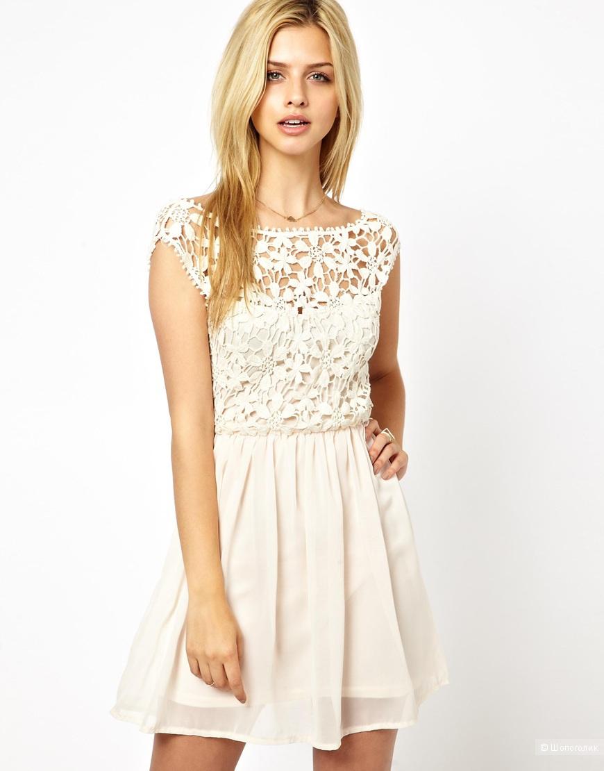 Платье белое с открытой спиной