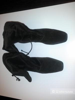 Продам сапоги Jimmy London,  коричневого цвета из натуральной замши, размер 40