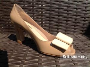Туфли женские, лаковое совершенство