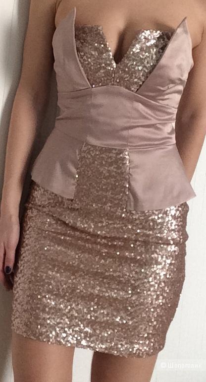 Нюдовое платье бюстье в пайетках