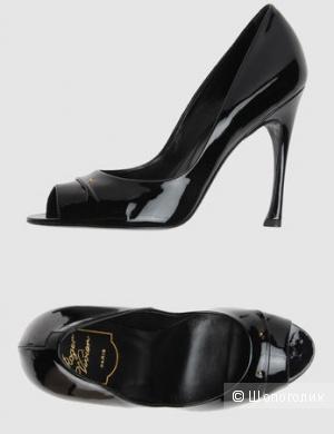 Лаковые туфли Roger Vivier, маркировка 38.5