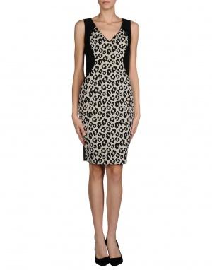 Пристрою платье с леопардовым принтом, размер М, 74% хлопок.
