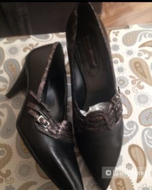 Туфли женские Renzo Mercuri