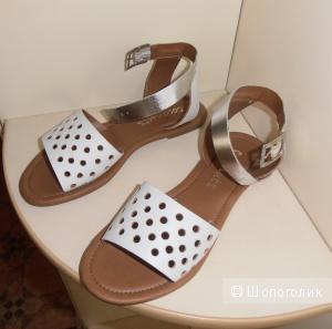 Пристрою новые сандалии, производство Мексика.