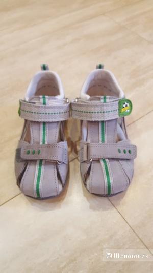 Новые полностью кожаные сандалии Superfit 25 размер