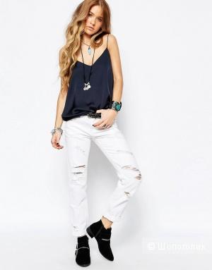 Продам новые джинсы с биркой Glamorous Boyfriend . Размер 40-42 русский. Состав 100% Cotton. Цвет - белый