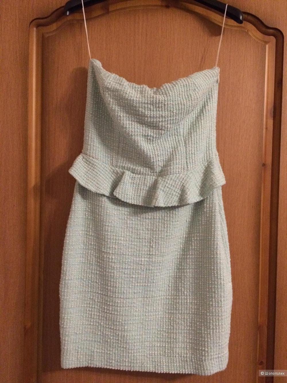 Платье Zara нежного цвета, размер S