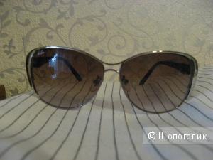 Пристраиваю очки солнцезащитные RayBan