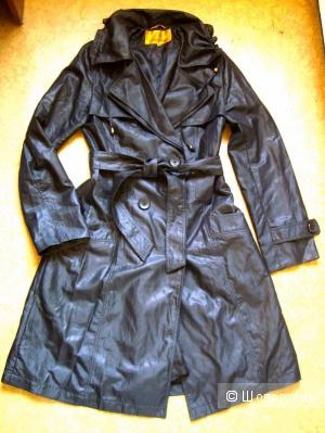 Черный плащ 44-46 размер
