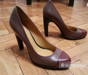 Кожаные туфли на каблуке 36р.