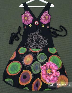 Новое платье-сарафан Desigual с вырезами, принтом и вышивкой