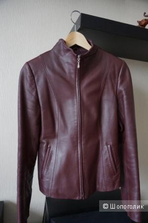 Кожаная куртка 42-44 размер