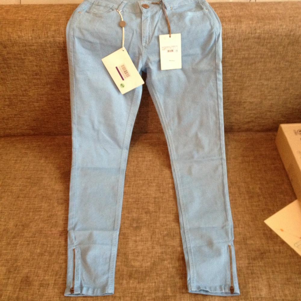 Итальянские джинсовые брюки 40 (ru)
