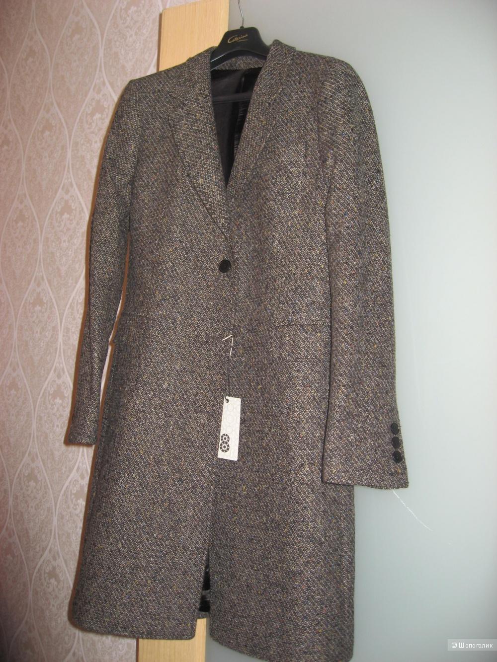 Пальто   фирма 8 , Италия  , с УООХ на 46р-р