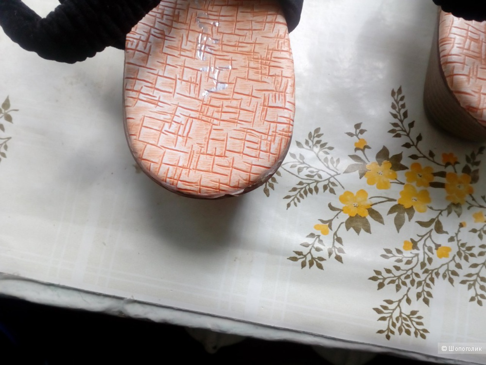 Продам женские летние сандалии, китайские, размер 8.5 (в Украине)