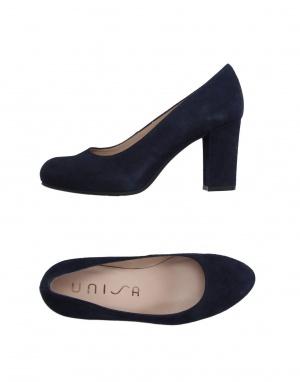 Новые замшевые туфли Unisa