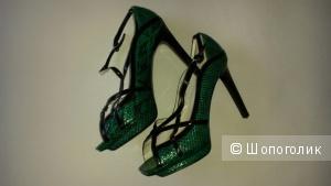 Пристрою новые туфли из натуральной кожи по символической цене. Размер 38.