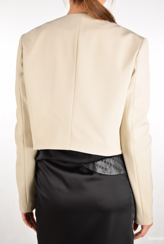Красивый пиджачок итальянского бренда