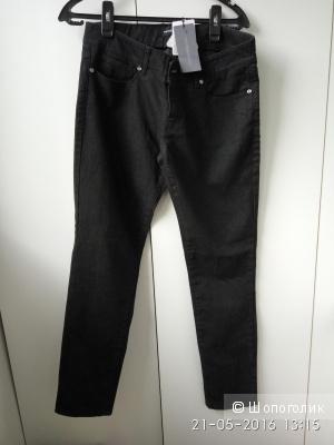 Пристрою новые джинсы roccobarocco