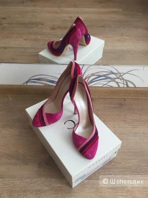 Шикарные туфли Casadei (40 р.)