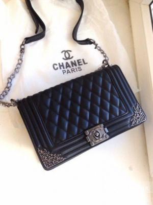 Стеганая сумка Chanel boy реплика
