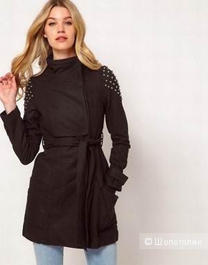 Стильное пальто с заклепками Lipsy