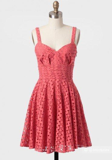 Платье BB Dakota, новое, разм. 4, из хлопкового кружева