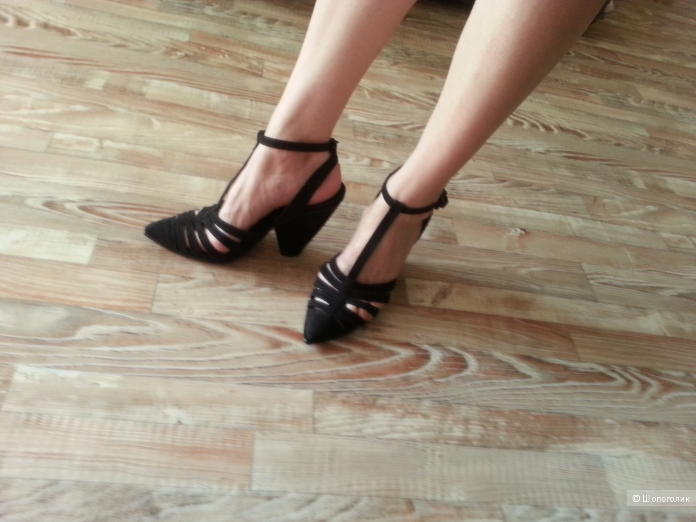 Сандалии-гладиаторы на каблуке ASOS HEBE, черные.