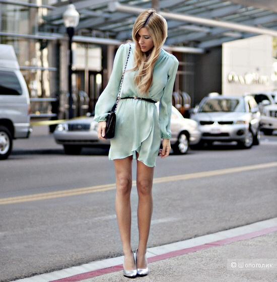 Платье с запахом Love