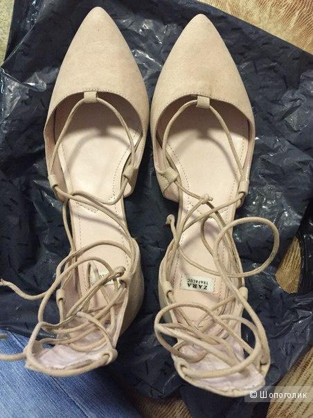 Туфли ZARA на плоской подошве