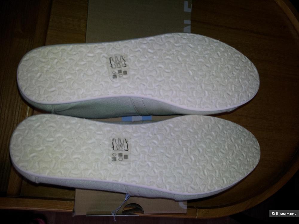 Светло-серые парусиновые слипоны TOMS UK4 новые