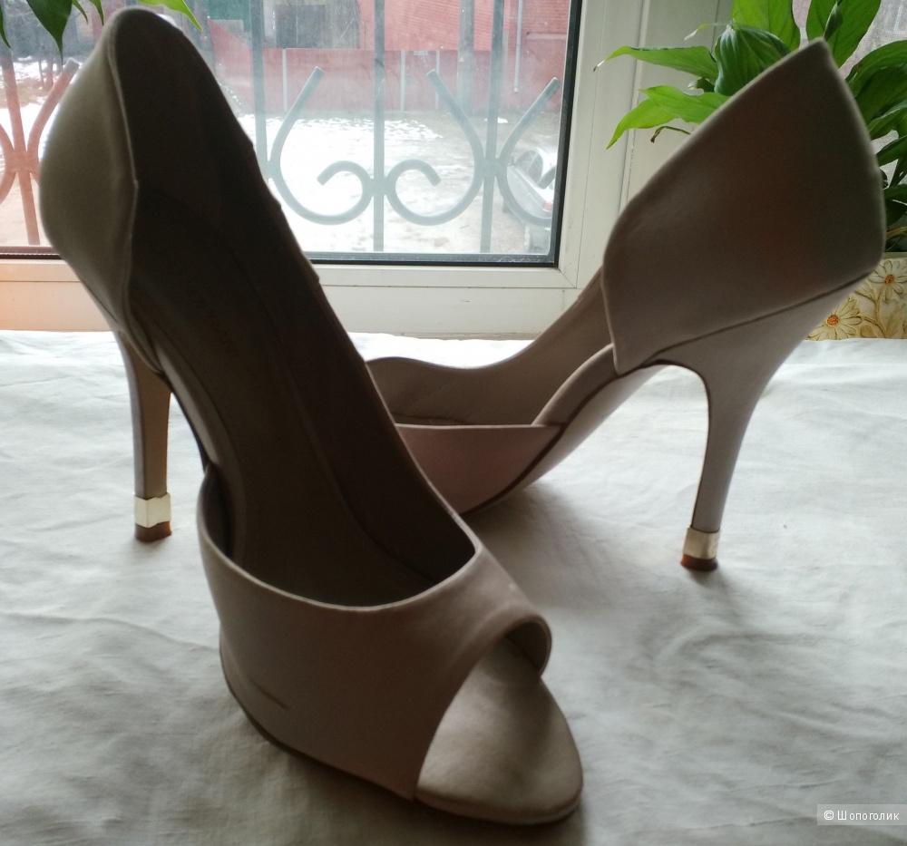 Итальяские модельные туфли Solo Soprani, атлас, каблук 10см, р.39