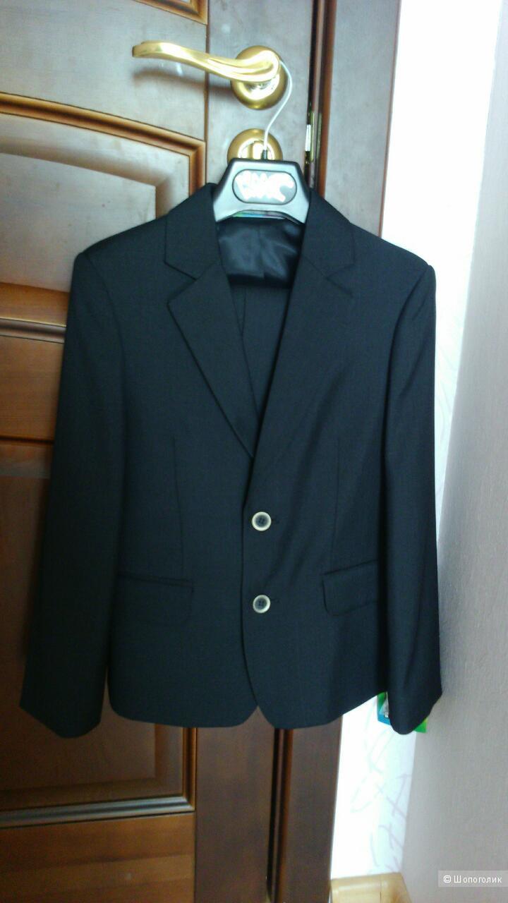 Новый костюм для школы.