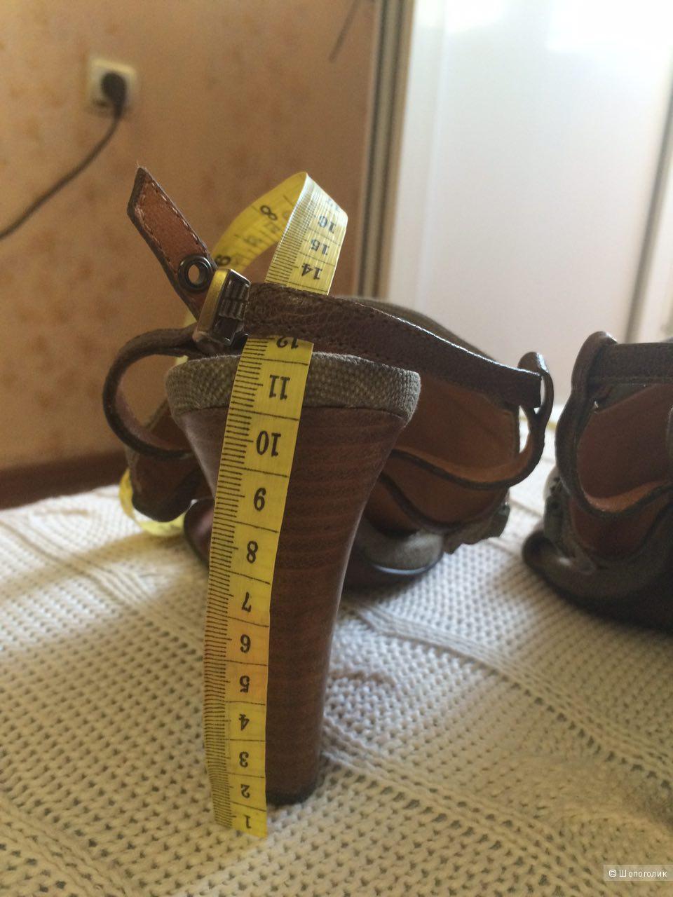 Продам новые босоножки BACIO 61 размер 37,5