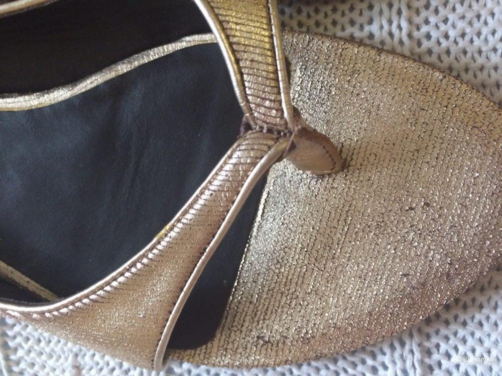 Продам Летние женские туфли размер 38