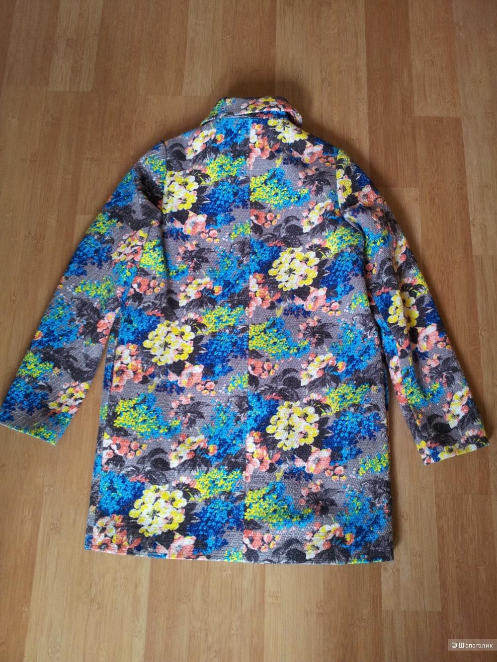Пальто с цветочным принтом ASOS UK8